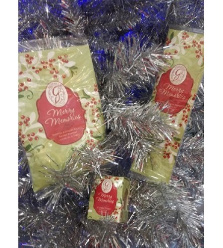 GreenLeaf   3pc Merry Memories Scented Sachet, Candle set.